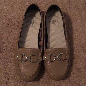 Size 8 cushion shoes